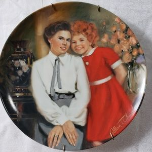 🎈4🎈ANNIE & GRACE collectible Plate 1983